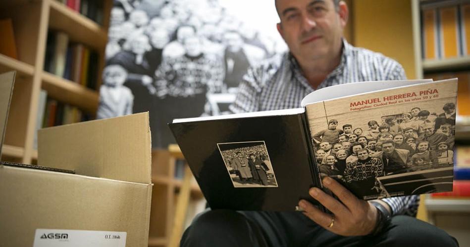 Presentación del libro Manuel Herrera Piña